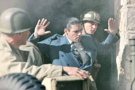 Craig Rivela as Vito Genovese