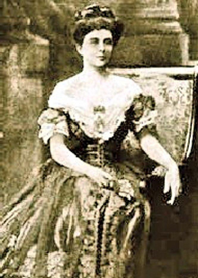 Josie Arlington