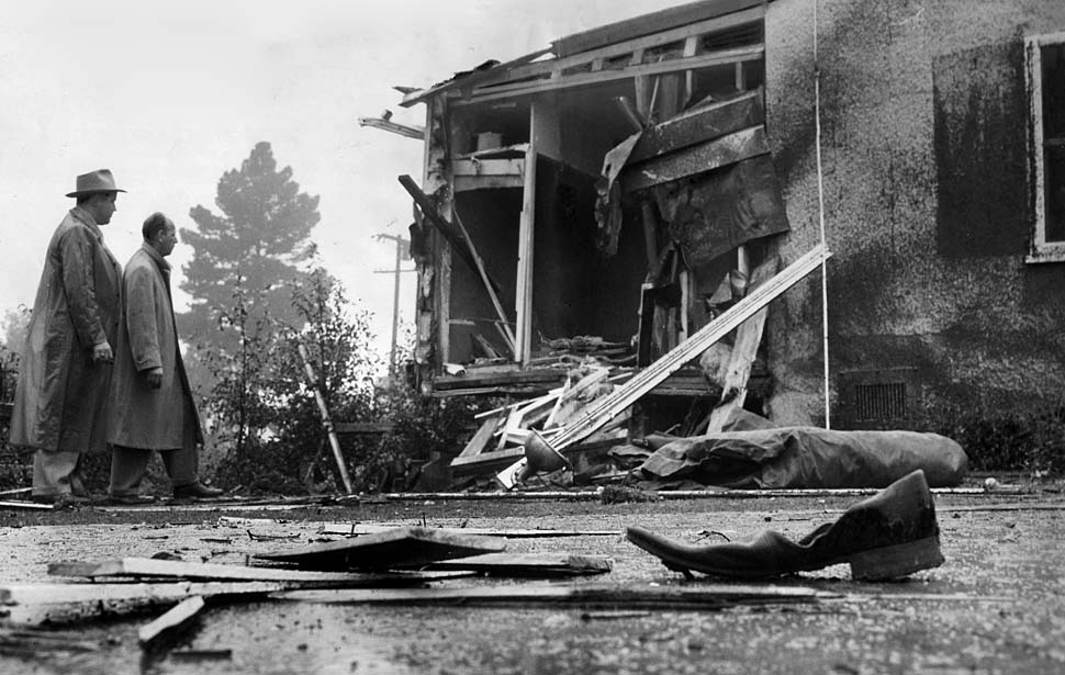 The 1950 bombing of Mickey Cohens home