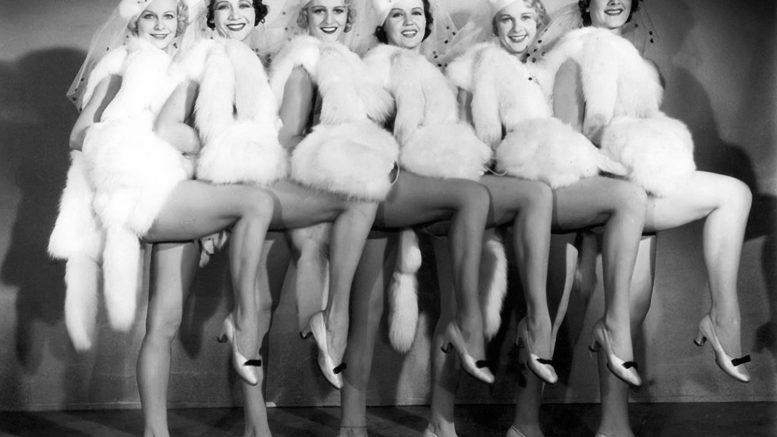 1933-Chorus girls
